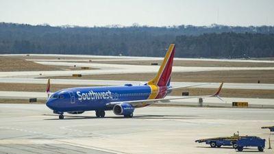 Un Boeing 737 Max 8 sin pasajeros aterriza de emergencia en Orlando