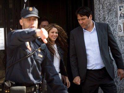 Shakira y Carlos Vives se defienden y niegan plagio de La bicicleta