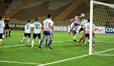 Sin otra opción que ganar, Albirrojita mide a Uruguay
