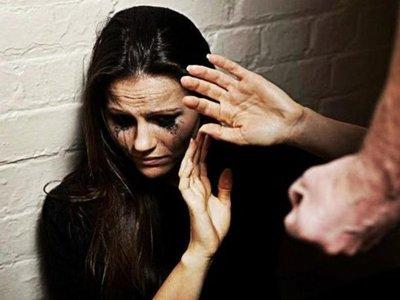 Por negarse a tener relaciones, agredió a su pareja hasta hacerle perder su bebé