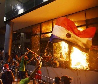 31M: Dos años de la crisis que sacudió Paraguay e incendió el Congreso