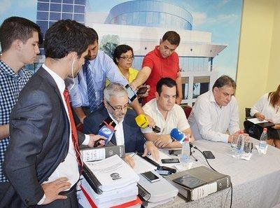 Comisión que investiga lavado de dinero atribuidos a Messer presentó informe
