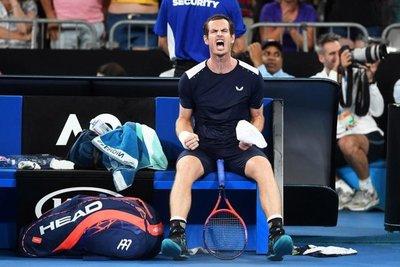 Murray vuelve a entrenar dos meses después