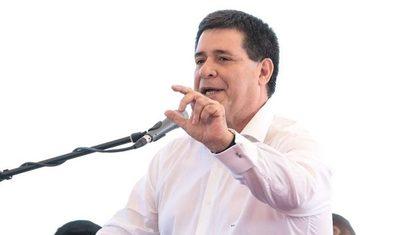 Ayuden a Benigno López, lo veo muy solo, dijo Cartes