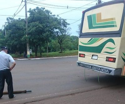 Bus pierde parte mecánica