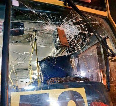Chofer queda herido tras ataque a bus en Capiatá