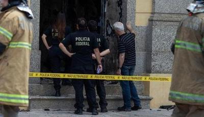 Diez muertos en tiroteo tras robo frustrado en dos bancos en Brasil