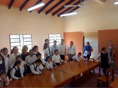 Reparan escuela en Caacupé con dinero de Japón