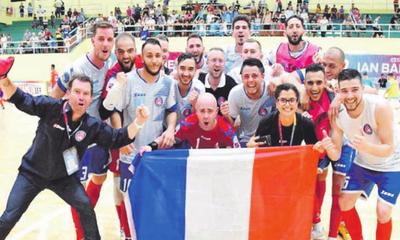 Paraguay juega por un sitio en semifinal
