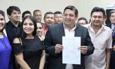 Teddy Mercado inscribe su candidatura a intendente de CDE