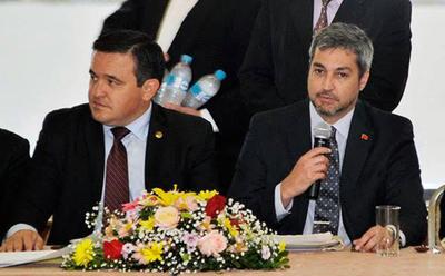 """Senadores añetete en """"offside"""" por respaldo de Marito a Petta"""