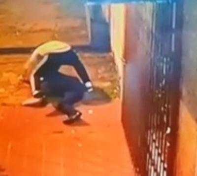 Brutal ataque a joven por supuesta disputa amorosa