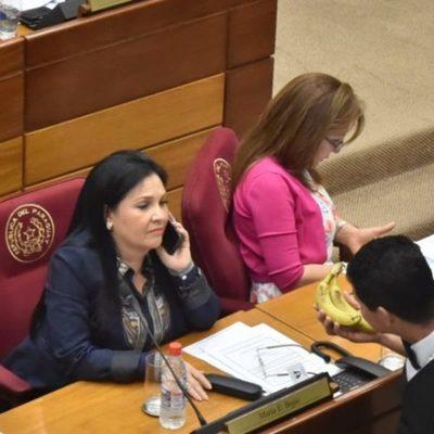 Bajac puede perder sus investiduras por no renunciar al pastorado, dice senador