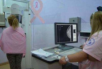 HOY / Por año, 300 mujeres son diagnosticadas con cáncer de mama en IPS