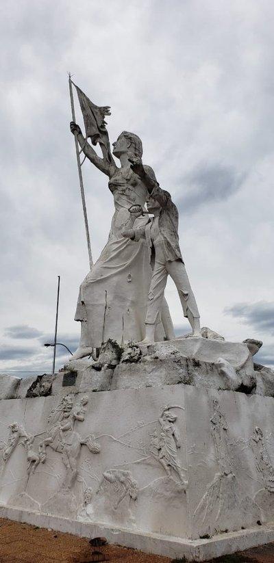 Coordinan tareas para la restauración del monumento de Las Residentas