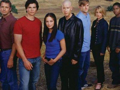Actriz de Smallville se declara culpable en caso de secta sexual