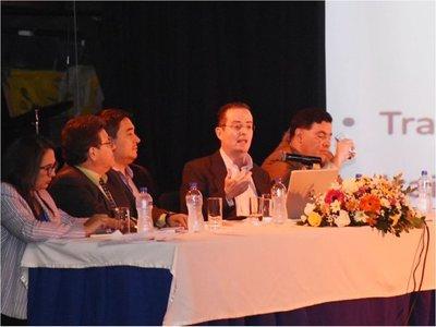 Paraguay solo  aprovechó el 14% de la Itaipú en 33 años, afirma Carter