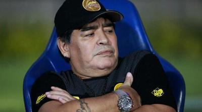 Multan a Maradona por dedicar triunfo de Dorados a Maduro