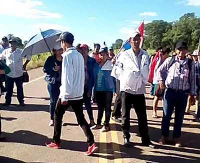 Barreteños cierran ruta y anuncian más movilizaciones