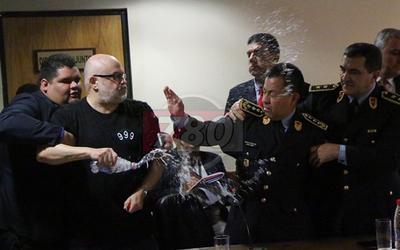 Payo agredió a comisario por agradecer a Dios