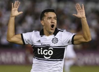 Gran victoria de Olimpia con dos goles del misionero Néstor Camacho
