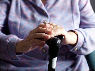 Depresión en adultos mayores puede ser síntoma temprano de párkinson