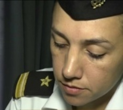 Estado debería pedir disculpas a militar arrestada por amamantar