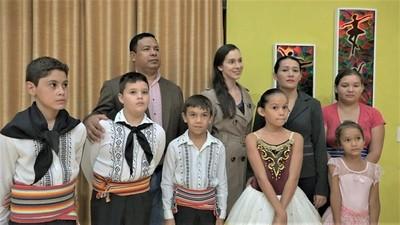 Gobernación de Boquerón brindó becas para danza en Boquerón