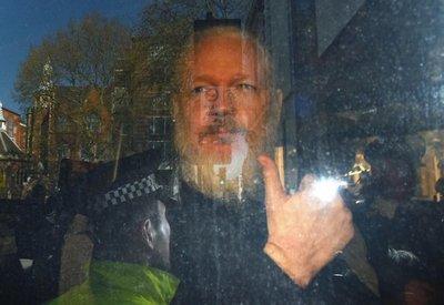 Assange, controvertido paladín de la transparencia perseguido por EE.UU.