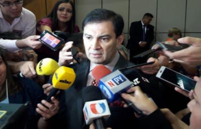 """""""No estamos entregando absolutamente nada"""", asegura Silvio Ovelar ..."""