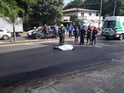 Camión atropella y mata a funcionaria municipal