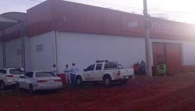 Detienen a un policía y dos mujeres por millonario asalto a distribuidora