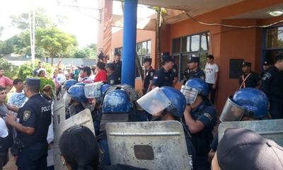 Fiscalía allana municipalidad de J. Augusto Saldívar – Prensa 5