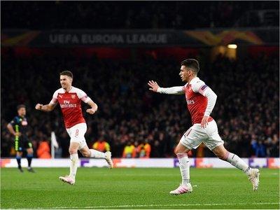 Arsenal logra valioso triunfo ante Napoli