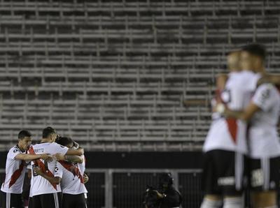 El Millonario goleó 3-0 a Alianza Lima en el Monumental