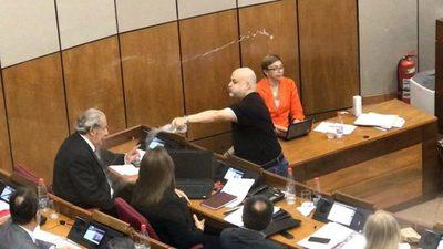 Suspendieron a Paraguayo Cubas por 2 meses y sin goce de sueldo
