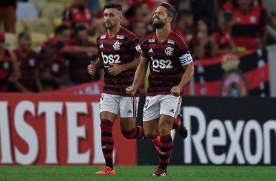 Flamengo se acercó a octavos