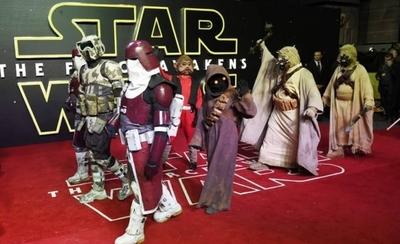 """HOY / Arranca la """"Star Wars Celebration"""" con la mirada puesta en el fin de la saga"""