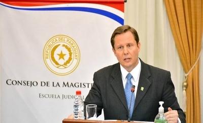 Abdo da luz verde a Martínez Simón para asumir como ministro de la Corte Suprema