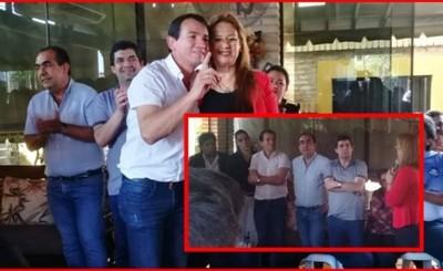 """Abrazo entre Lilian y Wilberto con """"destacada"""" presencia de Kelembú"""