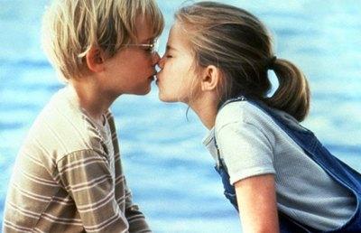 """¡DÍA DEL BESO! """"Que practiquemos el beso francés por siempre"""""""