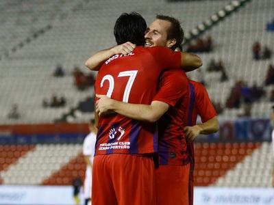 Cerro Porteño golea y no le pierde pisada al líder
