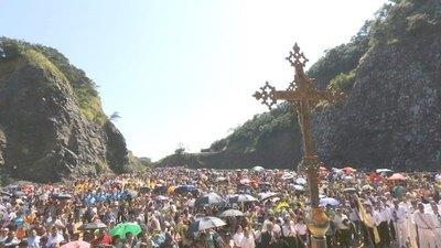 DOMINGO DE RAMOS. Con palmas arriba, fieles recibieron la Semana Santa