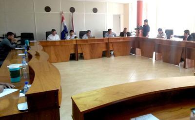 Junta de Hernandarias frustró intento demillonaria sobrefacturación de Rojas en compra de semáforos