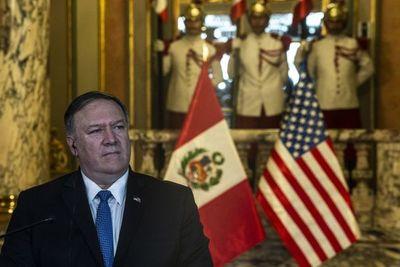 Pompeo pide a Maduro reabrir frontera con Colombia entre críticas y amenazas