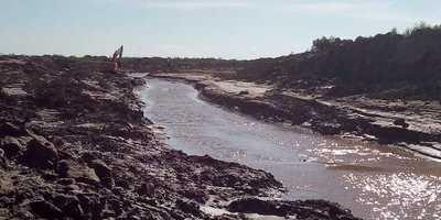 A pesar de su bajo caudal el río Pilcomayo ingresa a territorio paraguayo gracias a los trabajos realizados