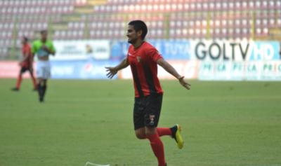 HOY / Lara de Lorenzo golea a Zamora de Guillermo Paiva