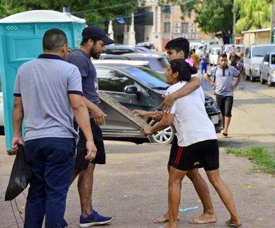 Junta pide atrasar despeje de la plaza del Cabildo