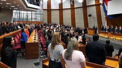 HOY / Asume nuevo ministro de Corte