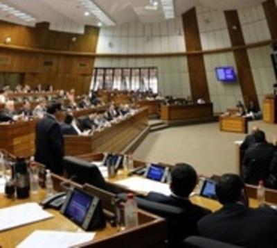 Diputados aprueba que su equipo médico pase al Ministerio de Salud